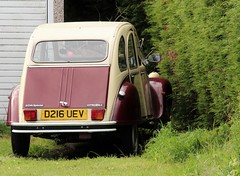 D216 UEV (Nivek.Old.Gold) Tags: 1987 citroen 2cv6 special dolly 602cc royhgtolley colchester