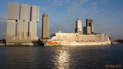Norwegian Getaway, Rotterdam, Hollande - 02359 (rivai56) Tags: rotterdam hollande bateau croisière sonyphotographing cruise norwegian getaway sunset holland