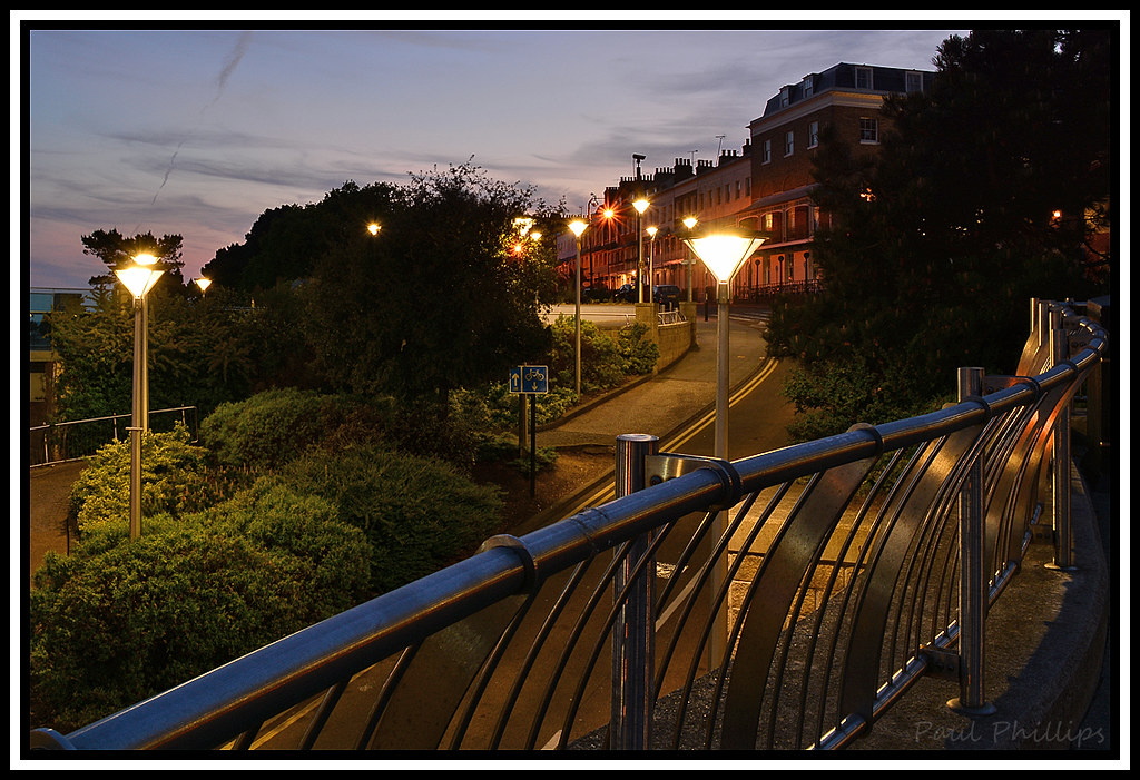 The world 39 s best photos of lights and southend flickr for 1 royal terrace southend on sea
