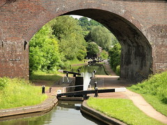 Parkhead viaduct (jeff.dugmore) Tags: england uk westmidlands dudley netherton viaduct arch dudleycanal canal waterways parkhead hollyhall locks lockgates bridge architecture towpath water blowersgreenpumphouse outdoor outside reflection olympus trees green blackcountry