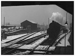 Gloom at Kings Norton (pjs,0698) (geoff7918) Tags: kingsnorton snow 03031962 austinmini a40 barrowcrossing lamp