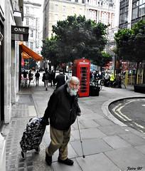 Indigente(Cerca de Stand street) (Jairo BI) Tags: london pobreza home less old