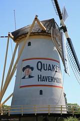 Havermoutmolen (Maurits van den Toorn) Tags: molen mill mühle babbersmolen schiedam vlaardingen rotterdam reclame advert schildering mural polder havermout oats quakeroats