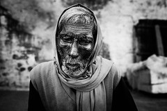 _DSF7608 (Dave Cavanagh Street) Tags: varanasi benares india portrait portraitnaturallight portraitoutdoors travelportrait travelphotography fujixt1 fuji23mmf14 fuji23mm man old elderly sad folorn wise beard thoughtful