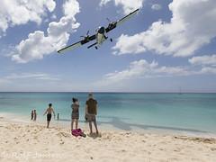 PJ-WIT De Havilland Canada DHC-6-300 Winair Princess Juliana airport TNCM 17.03-17 (rjonsen) Tags: plane airplane aircraft fling flight sxm stnaarten maho beach twin otter caribbean