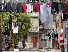 Fuzhou_laundry near Peace Market(和平菜市场) (Charles R. Yang) Tags: fuzhou china fujianprovince laundry colors street streetphotography residential