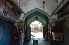 New Delhi Street Market (Isabel-Valero) Tags: street people india travel market city new delhi gente