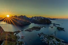 Reinebringen - Lofoten (schda22) Tags: mitternachtssonne norwegen norway norge sun midnight mountain berg wow hiking reine reinebringen moskenes nordland