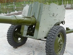 """85 mm divisional gun D-44 10 • <a style=""""font-size:0.8em;"""" href=""""http://www.flickr.com/photos/81723459@N04/34651311952/"""" target=""""_blank"""">View on Flickr</a>"""