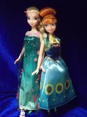 Anna, Elsa and Olaf (Linda0111) Tags: mattel frozen fever anna doll princess 2015 elsa disney olaf snowman kinder surprise