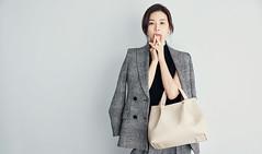 104_20170419192529_1 (Dương Hyunjoo APRIL Lee Bo Young Bae Eun Yeong) Tags: bege leeboyoung bag 이보영