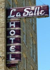 HOTEL Neon (BOB WESTON) Tags: bryantexas