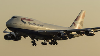 British Airways Boeing 747 arriving at London Heathrow