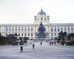 Naturhistorisches Museum Wien (nikolaijan) Tags: plaubelmakina 67 kodak portra800 120 film plaubel vienna austria naturhistorischesmuseum