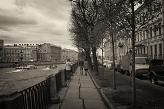 Boats and cars - Лодки и автомобили (Valery Parshin) Tags: russia saintpetersburg canoneos600d canonefs24mmf28stm valeryparshin blackandwhite sepia river trees