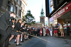 All Hallows by the Tower, Beating the Bounds, London, Thursday, May 25, 2017. (olliepix) Tags: all hallows by tower beating bounds thursday may 25 st dunstans college students