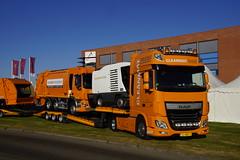 DAF XF 106.510 van Cleanmat met o.a. een DAF CF 290 vuilniswagen op de oplegger in Elst 27-05-2017 (marcelwijers) Tags: daf xf 106510 van cleanmat met oa een cf 290 vuilniswagen op de oplegger elst 27052017 lkw truck vrachtwagen laster dieplader kenteken kenzeichen 72bbx8 nederland gelderland betuwe overbetuwe niederlande netherlands paysbas camion
