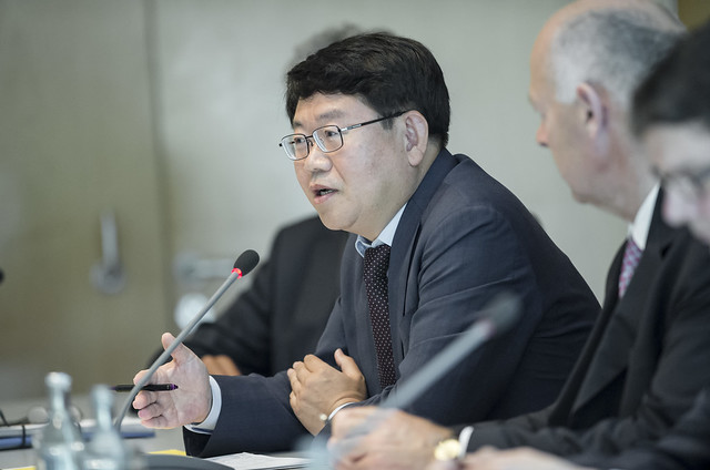 Sungwon Lee offering the Korean perspestive