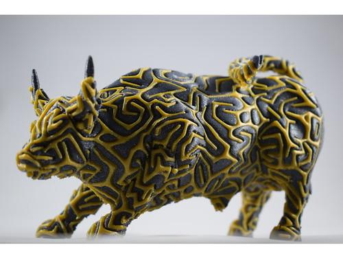 3d printed - 2colors wallstreet bull by Dizingof-2