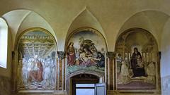 Monastero di Sant'Anna in Camprena , un'oasi di pace ... (2) (miriam ulivi OFF /ON) Tags: miriamulivi nikond7200 italia toscana monasterodisantannaincamprena refettorio interno affreschidigiovanniantoniobazzidettoilsodoma