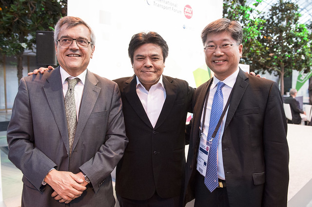 José Viegas, Agus Santoso and Young Tae Kim in attendence