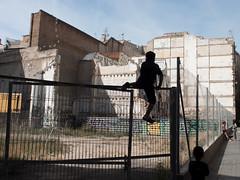 Kids playing in Barcelona (Odyssevs) Tags: barcelona street playingkids streetphoto