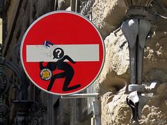 Senso vietato n°3 (scardeoni_fabrizio) Tags: segnale senso vietato stradale rosso
