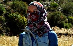 Ceifadora (fabian.kron) Tags: marrocos morocco ceifa ceifadora atlas mountains foice muçulmana muslim mulher woman
