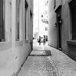 back alley couple thumbnail