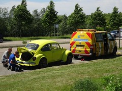 Vijfhuizen: Broken-down Beetle (harry_nl) Tags: vd549v netherlands nederland 2017 vijfhuizen volkswagen 1300 beetle anwb wegenwacht