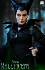 Well... Well... Can't wait for Maleficent 2 (PrinceMatiyo) Tags: onescale sleepingbeauty disney hottoys angelinajolie maleficent