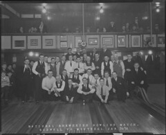 National Breweries bowling match between the Boswell and Montreal teams, at Frontenac Hall, Quebec City, Quebec / Partie de quilles entre les équipes de Boswell et de Montréal de la National Breweries, salle Frontenac, Québec (Québec) (BiblioArchives / LibraryArchives) Tags: lac bac libraryandarchivescanada bibliothèqueetarchivescanada canada canada150 bowling lawnbowling pétanque jeudequilles quilles boulingrin nationalbreweries match teams équipes boswell montreal montréal frontenachall sallefrontenac bowlingalley alléesdequilles quebec québec williambedwards january161932 16janvier1932 men hommes