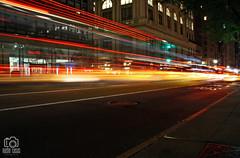 Car lights in New York (photoschete.blogspot.com) Tags: canon 1000d eos sigma nuevayork new york ciudad city urbana urban noche night trafico traffic luces lights coches cars nocturna