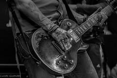 Rock (guanaeslucas) Tags: brasil brazil music show música apresentação guitarra guitar pb bw monocromático hands mãos canon dslr t6i 760d
