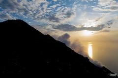 Tra cielo e terra (Gianluca Vannicelli) Tags: nikon landscape landscapephotography stromboli isola vulcano nikond3s tramonto cielo terra escursione vetta nikondigital workshop sunset