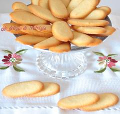 Lingue di gatto (Le delizie di Patrizia) Tags: lingue di gatto le delizie patrizia ricette dolci pasticceria secca