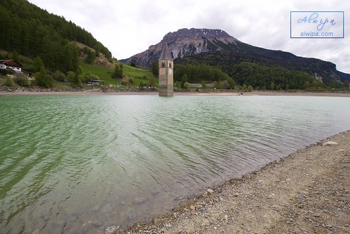 """Curon Venosta - Chiesa Lago di Resia • <a style=""""font-size:0.8em;"""" href=""""http://www.flickr.com/photos/104879414@N07/34464060920/"""" target=""""_blank"""">View on Flickr</a>"""