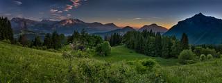 Coucher de soleil depuis la montagne de loëx