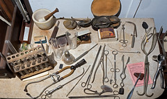 Dr. Mila Elisabeth Rindge's medical tools (Madison Historical Society) Tags: madisonhistoricalsociety madisonhistory mhs madison connecticut conn ct country usa newengland nikond600 nikon d600 bobgundersen old historical history medical antiques museum interesting image inside indoor interior photo picture shot allisbushnellhouse abhouse bostonpostroad route1 tool