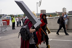 Obscured view (jamiethompson01) Tags: comic con 2017 london excel dlr movies marvel video games pop culture batman spiderman star wars mcm multigenre fan convention bank holiday street candid martin parr british uk england people event day