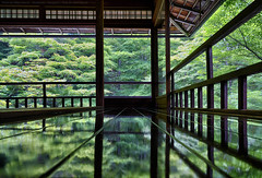 Rurikoin, Kyoto, Japan (mikemikecat) Tags: 京都 瑠璃光院 rurikoin kyoto japan reflection mirror architecture house temple green 庭園 sel1635z fe1635mm a7r sony interior hdr 瑠璃の庭 八瀨逍遙 風雅有情 八瀬大原 書院二階