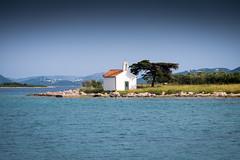 Pakostane (G Dubuc) Tags: croatie mer barques églises ruines