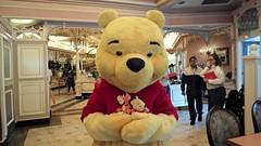 Pooh with Mini Plushies (BeautifulToyReviews) Tags: disney parks character meet greet plaza inn winnie pooh bear disneyland park toy plush tigger