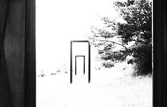 Stationen - Stations (Bernd Kretzer) Tags: skulptur sculpture türen doors schwarzweiss blackwhite nikon afs dx zoomnikkor 1855mm 13556g