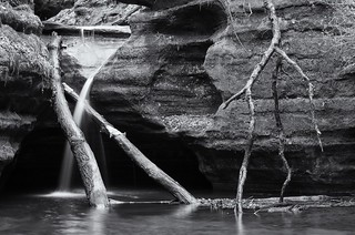 Waterfall in Kaskaskia Canyon - Starved Rock State Park
