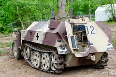 Sd.Kfz 250 / Overloon (rob4xs) Tags: overloon militracks oorlogsmuseum museum sdkfz250 halftrack axis camouflage wehrmacht wh300184 militracks2017 ww2 wwii nederland thenetherlands holland