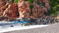 Fighting - Porte de Plaisance in Porto (macplatti) Tags: corse korsika boat boot blau rotstones felsen bue waves wellen gestein mediterranian porto france fra
