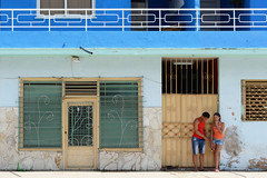 Talk About It (emerge13) Tags: architecture cuba guanabocuba streetlife streets people candid candidstreet street streetscene streetphotography streetcapture streetrue rue architecturedetails architectureheritage gens personnes bâtiments buildings