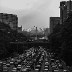 23 de maio (AlexJ (aalj26)) Tags: square quadrado aalj26 alexj sp sãopaulo capital sampa paulistano paulicéia avenida 23demaio transito congestionamento obelisco ibirapuera ibira