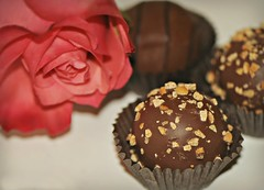 There's nothing more romantic than flowers and chocolate. (nushuz) Tags: rose flower chocolate truffles theresnothingmoreromanticthan flowersandchocolate dof yummy smileonsaturday loveandromance macro smile saturday